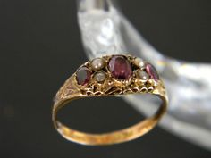 ANTIQUE VICTORIAN 15CT GOLD GARNET AND SEED PEARL RING! RING FROM 1871!