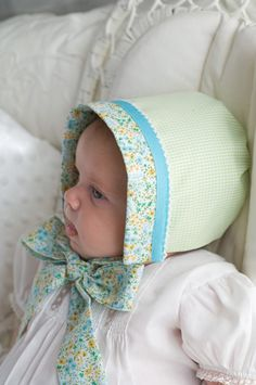 Sew Beautiful Reversible Baby Bonnet Tutorial | Sew Mama Sew | Outstanding sewing, quilting, and needlework tutorials since 2005.