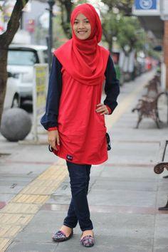 "Foto-foto Hameva Nurul Nazmah Syaidah.  Sukarame - Cingcin, #Soreang, Kabupaten #Bandung, Jawa Barat. Peserta Lomba Foto Mutif 2015 Kategori ""Mutif Fotogenic Contest"" #MutifFotogenicContest #BusanaMuslim #Fashion #FashionMuslim #ModelMutif #FotoModel #MuslimInspiratif #LombaFoto #MuslimahIndonesia"