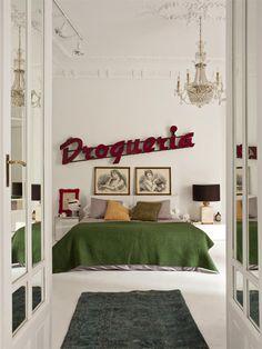 Viaje en el tiempo en un ecléctico loft de Madrid