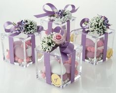 High quality Plexiglas small box with three different varieties of confetti candies, silk ribbon, hand-made flower composition. (Cool Crafts With Candy) Wedding Gifts For Guests, Wedding Favor Boxes, Shower Favors, Party Favors, Elegant Wedding, Diy Wedding, Wedding Ideas, Wedding Bells, Wedding Doorgift