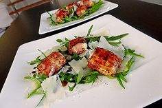 Gebratener Schafskäse im Speckmantel auf Rucola-Parmesan-Salat Fried sheep's cheese wrapped in bacon on arugula and parmesan salad, a nice recipe from the meat and sausage category. Sheep Cheese, Cheese Wrap, Healthy Snacks, Healthy Recipes, Italy Food, Bacon Wrapped, Tortellini, Summer Recipes, Food Inspiration