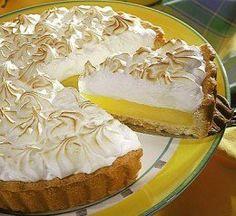 Lemon pie (receta super facil, y riquisima) Lemon Desserts, Delicious Desserts, Lemon Pie Receta, Lemon Meringue Pie, Swiss Meringue, Healthy Cake, Pie Cake, Pie Dessert, Quiches