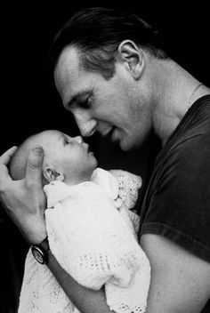 """Just cuz it's Liam Neeson with a baby! Too precious! ~~(Liam Neeson) """"The soul would have no rainbow had the eyes no tears. Liam Neeson, Hello Gorgeous, Beautiful Men, Beautiful People, Pretty People, Beautiful Things, Foto Baby, Lessons Learned In Life, Fathers Love"""