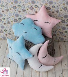 Cojines Estrella Bebe. Cojines con forma de estrella comprar Cloud Texture, Cloud Decoration, Little Star, Kids Bedroom, Diy And Crafts, Dinosaur Stuffed Animal, Clouds, Toys, Create