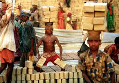 Niños trabajando- GMB Akash