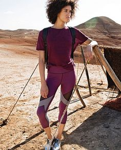 Meet the reversible leggings set to transform your wardrobe in a cropped length for summer. Designed in super soft, stretchy fabric with fashion-forward mesh panels, they stay fully opaque both block colour and black side out. Adjust the inner drawcord for a custom fit. It's time for front row style.