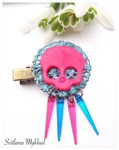 """1 Pince Filigrane à cheveux metal bronze """"Tete de mort. Gotique. Piques. Punk"""" : Accessoires coiffure par perles-et-couronnes"""