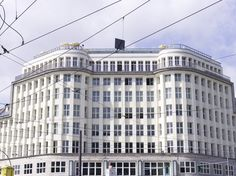 Soho House Berlin is a private members' club with 40 bedrooms. Set over eight floors of a restored Bauhaus building in the Mitte district, Soho. Soho House Berlin, Berlin Hotel, Soho Hotel, Best Hotel Deals, Best Hotels, Soho House Group, Bauhaus Building, Spa, Audi A7