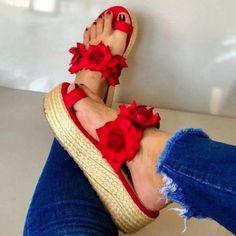 2020 Women Flat Platform Summer Sandals Ladies Open Toe Slip On Flower Flock Shoes Woman Fashion Comfort Casual Sandals Female Flip Flop Slippers, Flip Flop Sandals, Sexy High Heels, Womens High Heels, Mode Rockabilly, Platform Flip Flops, Flatform, Womens Slippers, Wedge Shoes