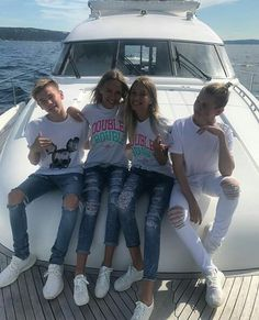 Our goal is to keep old friends, ex-classmates, neighbors and colleagues in touch. Lisa Or Lena, Instagram 2017, Dream Boyfriend, Twin Boys, Twin Brothers, Bff Pictures, Squad Goals, Fun To Be One, Besties