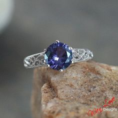 Hey, I found this really awesome Etsy listing at https://www.etsy.com/listing/223687349/alexandrite-color-change-sapphire