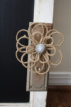 need to figure out how to make this burlap wire flower