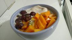 Champion's vegan smoothie: leite de aveia, banana, maçã e uvas.