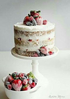 These 11 Naked Cakes Will Make You Denounce Frosting Forever. Introducing the naked cake, the newest dessert trend that's light on frosting but still surprisingly gorgeous. Whip one of these babies up for the holidays. Pretty Cakes, Beautiful Cakes, Amazing Cakes, Beautiful Birthday Cakes, Beautiful Gorgeous, Simply Beautiful, Beautiful Pictures, Food Cakes, Cupcake Cakes