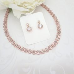 Dainty Rose Gold Bridal necklace, Rose Gold Bridal jewelry set, Necklace and earring set, Rose Gold drop earrings, Wedding necklace set - Accesorios Rose Gold Wedding Jewelry, Wedding Necklace Set, Wedding Jewelry For Bride, Wedding Earrings Drop, Bridal Necklace, Gold Jewelry, Jewellery Box, Lovisa Jewellery, Wedding Rings
