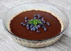 Nepečený čokoládový koláč, Nepečené zákusky, recept | Naničmama.sk Cheesecake, Pudding, Food, Cheesecakes, Custard Pudding, Essen, Puddings, Meals, Yemek