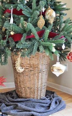 Christmas Tree Basket: An Easy 5 Minute DIY · A Plentiful Life #DiyChristmasDecorations #DiyChristmas #DiyChristmasGifts #Christmas