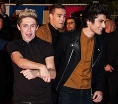 I have no idea what Niall is doing, but I like it anyway.