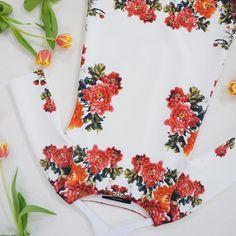 Kvetinove saty vladnou jaru 🌷 #flowers #dress #tulips #poshmecz #poshme #posh