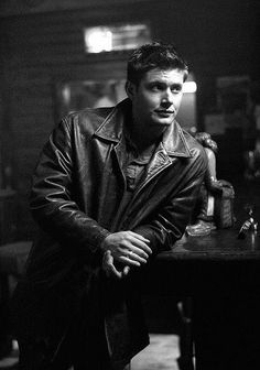 Jensen  Ackles  as  Dean  Winchester  on  Supernatural  ♡