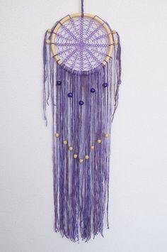Lace Napperon violet dreamcatcher. Tenture murale de par fundart