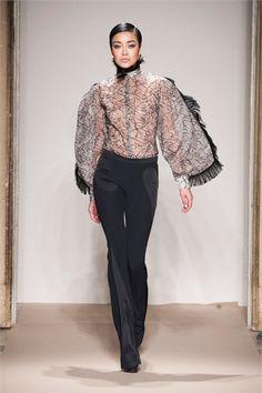 Sfilata Cristiano Burani Milano - Collezioni Autunno Inverno 2013-14 - Vogue