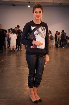 """Barbara Migliori, da """"Vogue"""": """"Estou de moletom Helmut Lang, calça Cos mais bolsa e sapato Chanel"""""""