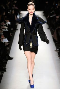 Saint Laurent | Fall 2010 Ready-to-Wear Collection | Style.com