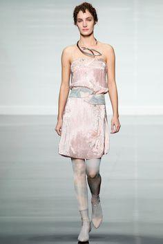 Emporio Armani Spring 2014 Ready-to-Wear Collection Photos - Vogue