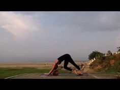 A one hour 60 minute set flow from the Yoga Six offerings. From my favorite rooftop in India. Enjoy and Happy Yoga-ing. www.yogasix.com