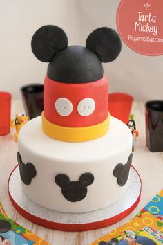 Tarta fondant de cumpleaños para niños de Mickey paso a paso ¡fácil y divertida!