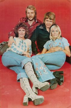Abba Costumes, Abba Mania, Celebrity Boots, Celebrities Then And Now, Poses, Brighton, 70s Fashion, Belle Photo, Bowie