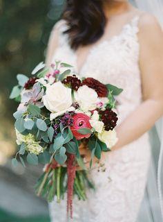Berry hued wedding bouquet: Photography: Sara Weir - https://saraweirphotography.com/