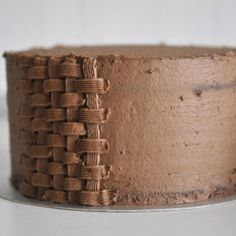 Basket Weave Cake, Basket Weaving, Chocolate, Icing Techniques, Un Cake, Cake Tutorial, Fresh Fruit, Food And Drink, Nyx