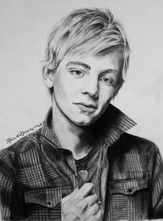 Incredible Ross Lynch drawing. This amazes me. Who can draw this well?