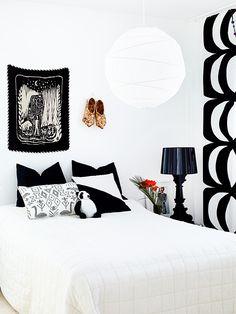 Hunajaista home by photographer Krista Keltanen. The bedroom.