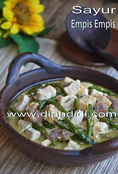Diah Didi's Kitchen: Sayur Empis Empis Khas Temanggung Diah Didi Kitchen, Malay Food, Indonesian Cuisine, Indonesian Recipes, Vegetarian Recipes, Cooking Recipes, Asian Recipes, Ethnic Recipes, Malaysian Food
