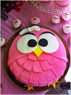 An amazing owl cake my friend made.