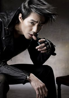 Jo In Sung Cannot Take His Hands Out of His Mouth