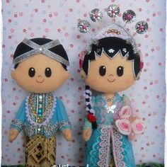 Javanese Bride and Groom - Indonesia Traditional Costume felt doll