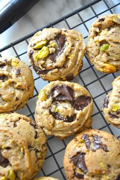 dark chocolate pistachio cookies - Hungry Happens