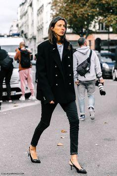Emmanuelle Alt & Geraldine Saglio (Blue is in Fashion this Year) Fashion Week, Look Fashion, Autumn Fashion, Fashion Outfits, Paris Fashion, Fashion Editor, Womens Fashion, Emmanuelle Alt, Collage Outfits