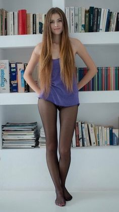 Only girls i nylon an pantyhose. No men in pantyhose. Pantyhose Outfits, Black Pantyhose, Black Tights, Nylons, Sexy Women, Women Legs, Stockings Lingerie, Sexy Stockings, Pantyhosed Legs