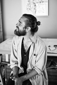 When it comes to justice to your man buns andor creativity, we all know long beards are the best. Check out the best man buns beard combos for this look! Hair And Beard Styles, Long Hair Styles, Man Bun Hairstyles, Long Hair Beard, Beard Love, Full Beard, Long Beards, Beard Tattoo, Tattoo Man