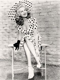 """Chili Williams 1940s film noir actress & World War II pinup girl called """"The Polka Dot Girl""""#uniquevintage"""