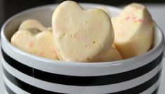 Simple Eucalyptus Shower Melts that will Help Conquer Cold Season The Best Shower Steamers Recipe to Energize Your Morning Diy Bath Bombs Easy, Eucalyptus Shower, Sugar Scrub Homemade, Shower Bombs, Steamer Recipes, Shower Steamers, Easy Crafts, Bliss, Cold