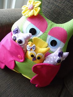 This is so cute!  but does not have a pattern! :( but still adorable!!!!