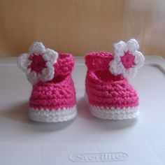 PDF Pink Baby Shoes CROCHET PATTERN No 090 Sizes Preemie, 0 - 3 - 6 - 9 - 12 months. $3.99, via Etsy.