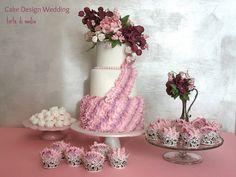 Ruffles & Flowers Cake, Cupcakes